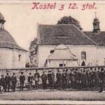 05-v pozadí kostel svaté Kateřiny Alexandrijské z 12. století