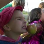 Třetí soutěž - zbašti jablko (111Čáry2012©D.Koutník)