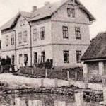 20-Bývalá škola a dnešní dům s pečovatelskou službou-bez data